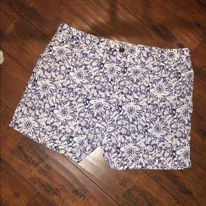 Lands' End mid rise plus size Floral Shorts 18